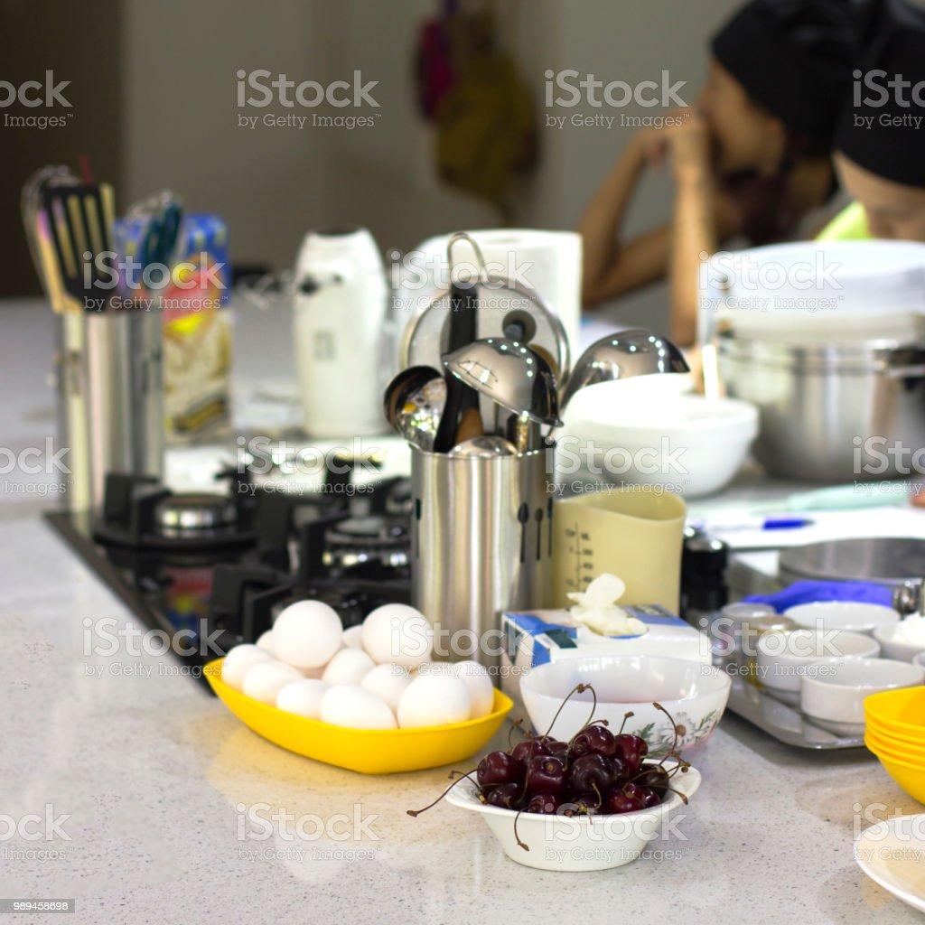 Escuela De Cocina Ingredientes Y Cocina Utensilios O Mesa ...