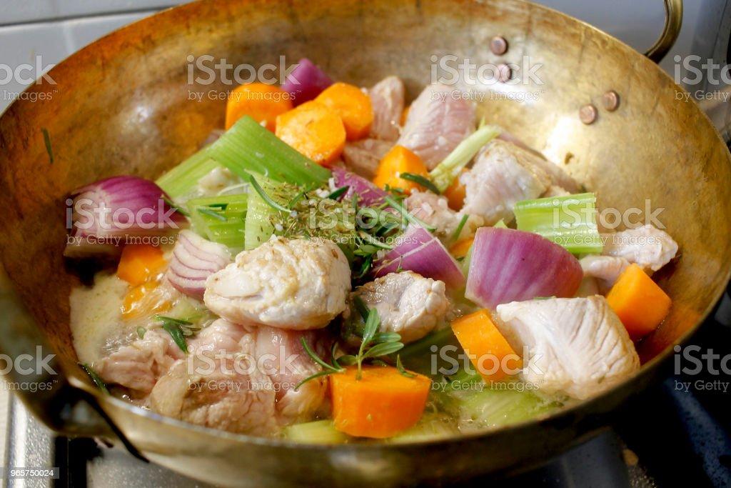 Koken stoofpot varkensvlees - Royalty-free Avondmaaltijd Stockfoto