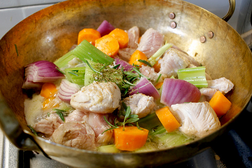 Koken Stoofpot Varkensvlees Stockfoto en meer beelden van Avondmaaltijd