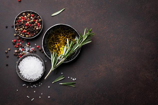 cooking table with herbs and spices - sól przyprawa zdjęcia i obrazy z banku zdjęć