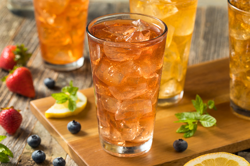 Cool Refreshing Flavored Berry Iced Teas with Lemon and Mint