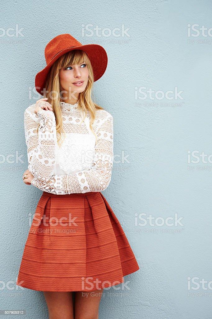 Modne młoda kobieta – zdjęcie