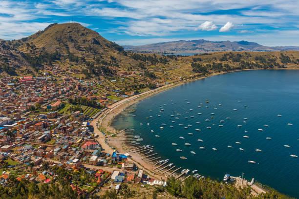 科帕卡巴納景觀 - 玻利維亞 個照片及圖片檔