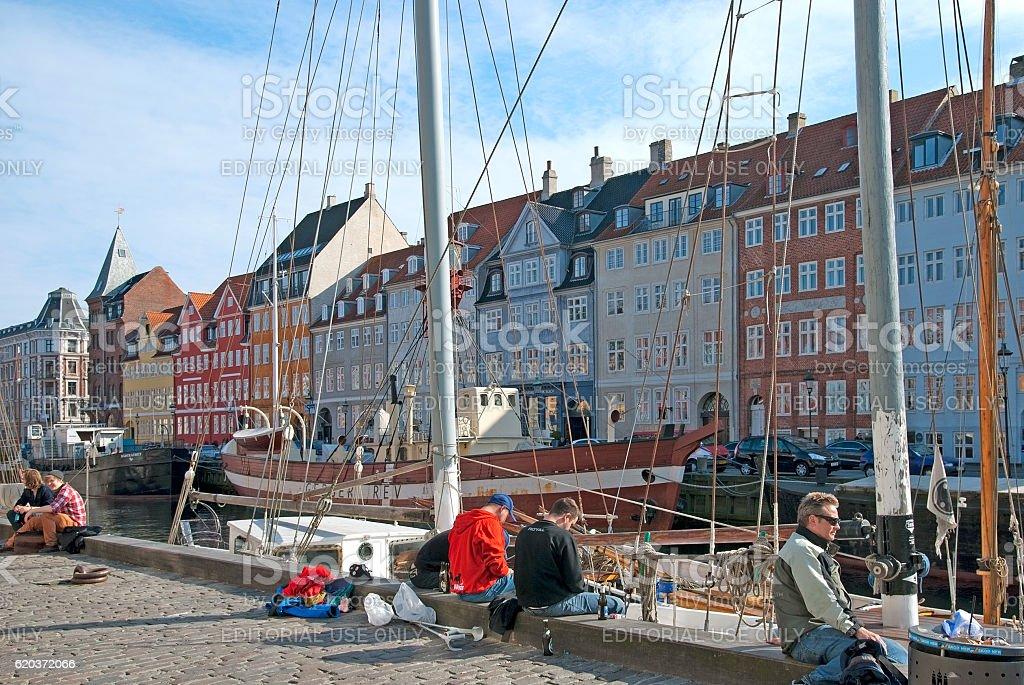 Copenhagen. Denmark. People near Nyhavn foto de stock royalty-free