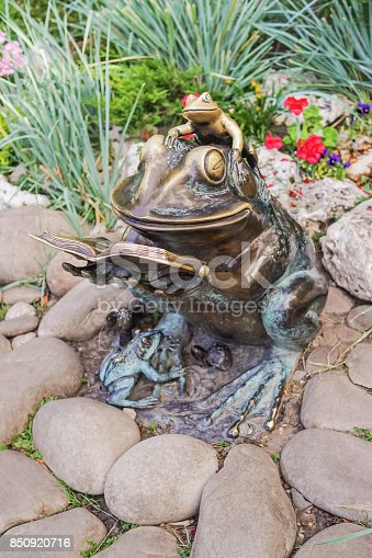 istock Copper monument of the frog 850920716