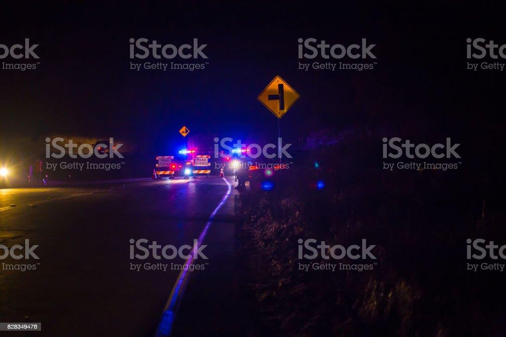 Policías en retén durante un incendio - foto de stock