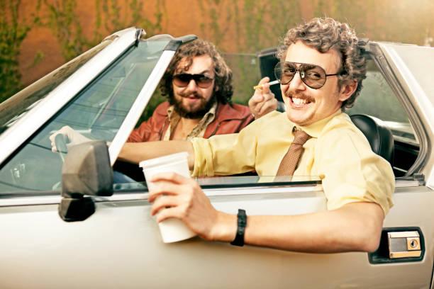 cops en un coche - feliz dia del policia fotografías e imágenes de stock