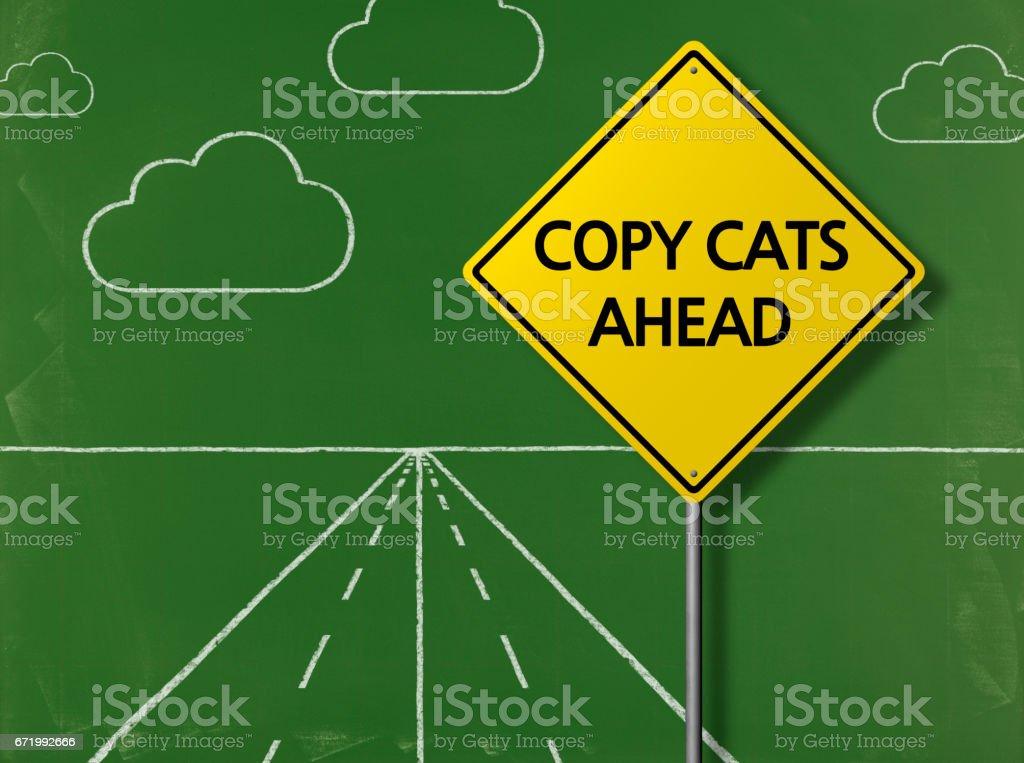 Copiar gatos adelante - fondo de pizarra de negocios - foto de stock