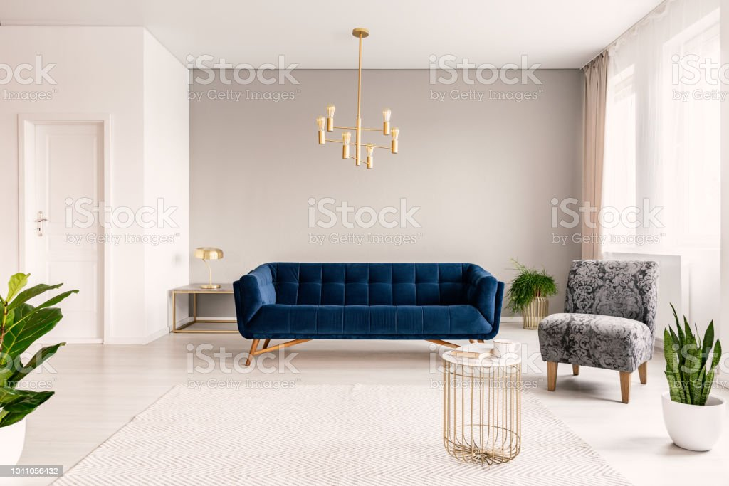 Kopieren Sie Raum Wohnzimmer Interieur Mit Eine Dunkel Blaue ...