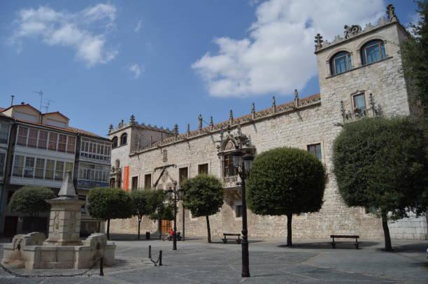 Cord House Palace of the Constables of Castilla Datiert im 15. Jahrhundert auf dem Freiheitsplatz in Burgos. – Foto