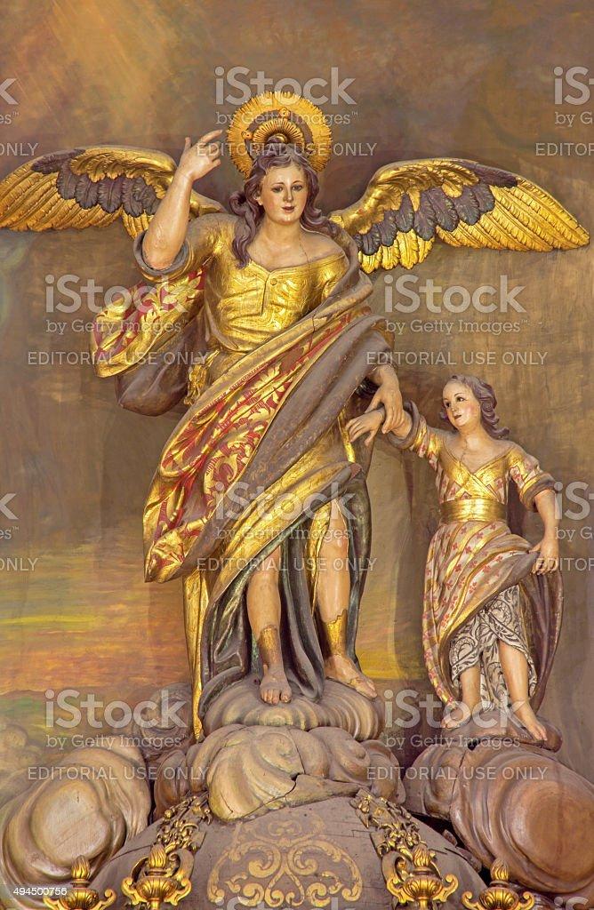 Córdoba-polychrome estatua del arcángel Raphael - foto de stock