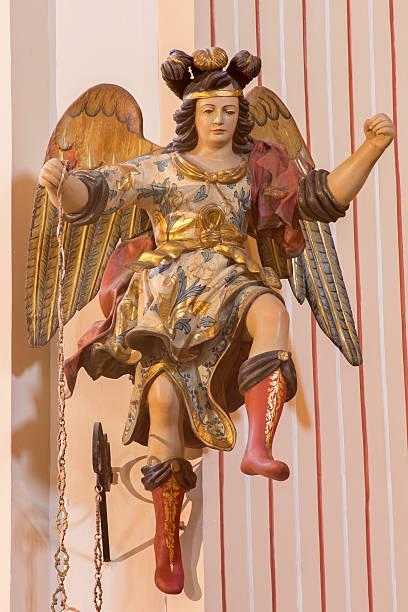 Córdoba-esculpida policromada estátua do anjo barroca - foto de acervo
