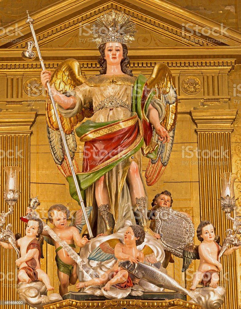 Córdoba-tallada estatua del arcángel Raphael - foto de stock