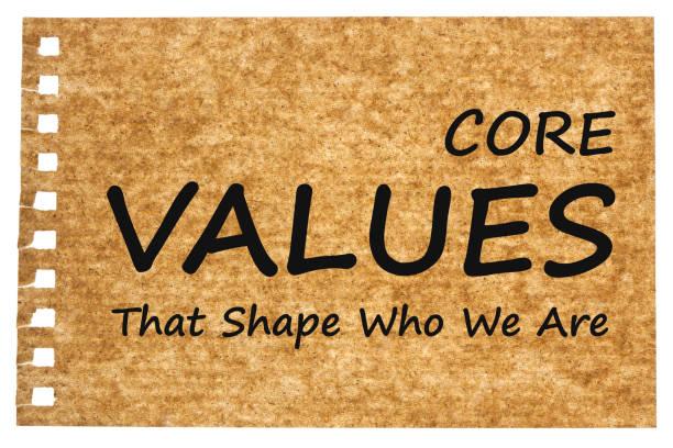valeurs de base écrites sur du papier recyclé - honnêteté photos et images de collection