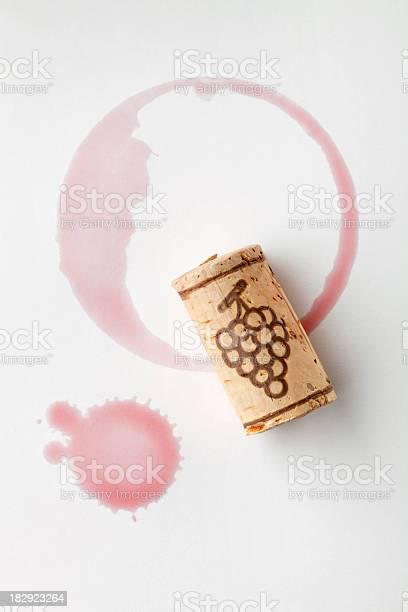 Cork and red wine stain picture id182923264?b=1&k=6&m=182923264&s=612x612&h=shrpu0lqw ec4rqjgyo8 zlm 0awyxssgdlqr022ws8=