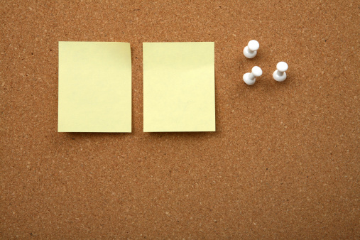 istock Cork board with yellow sticky note 115913398