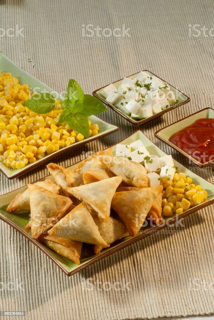 corn cheese samosa with mint dip 免版稅 stock photo