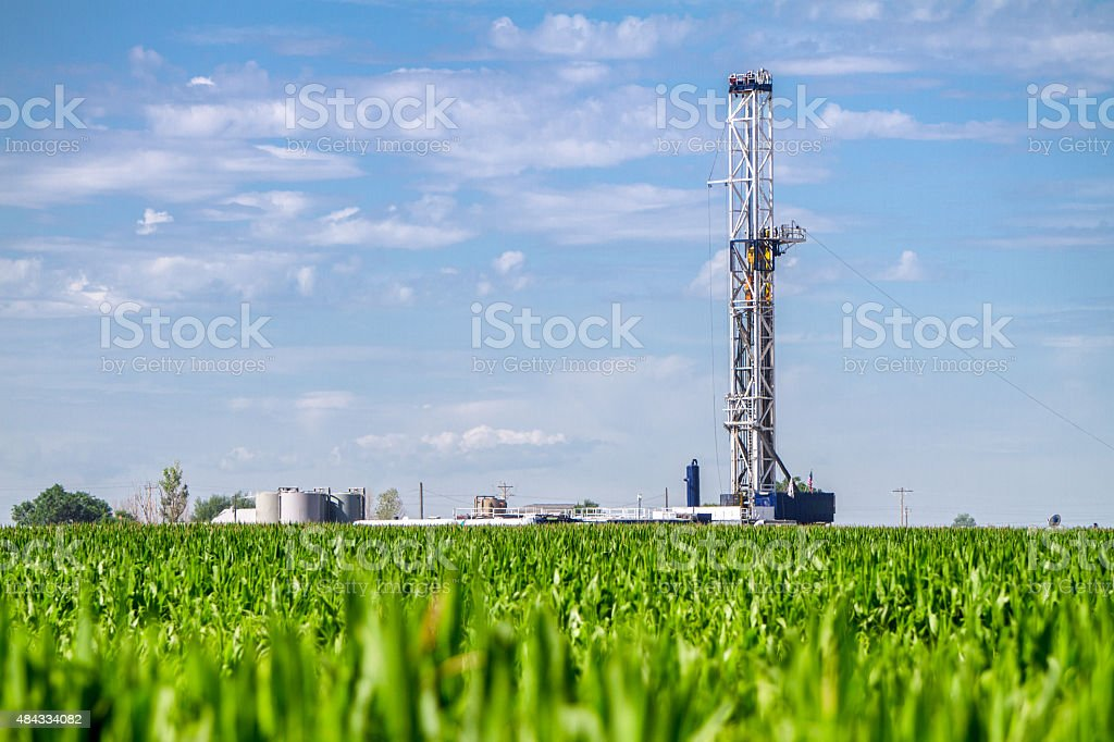 Corn Field Drilling Rig Fracking – Foto