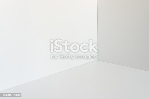 istock corner and shadow design and architecture 1068467434