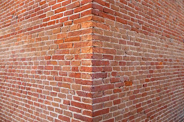 rogu ściany z cegły - róg zdjęcia i obrazy z banku zdjęć