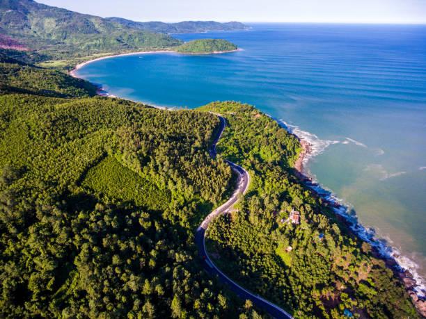 Eine Ecke des Hai-Van-Pass von oben, Danang, Vietnam – Foto