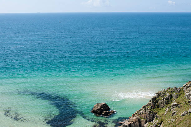 cornwall, clear blue sea - cornwall stock pictures, royalty-free photos & images