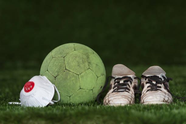 coronavirus in de sport - internationale voetbal stockfoto's en -beelden