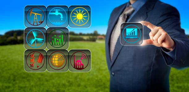 corporate buchhalter vorbereitung nachhaltigkeitsbericht - wirtschaftsrecht stock-fotos und bilder