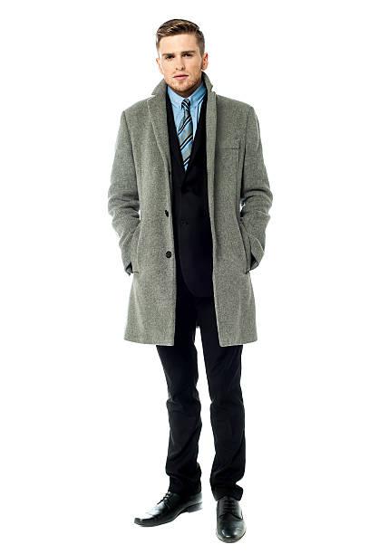 Corporate Kerl mit Langer Mantel – Foto