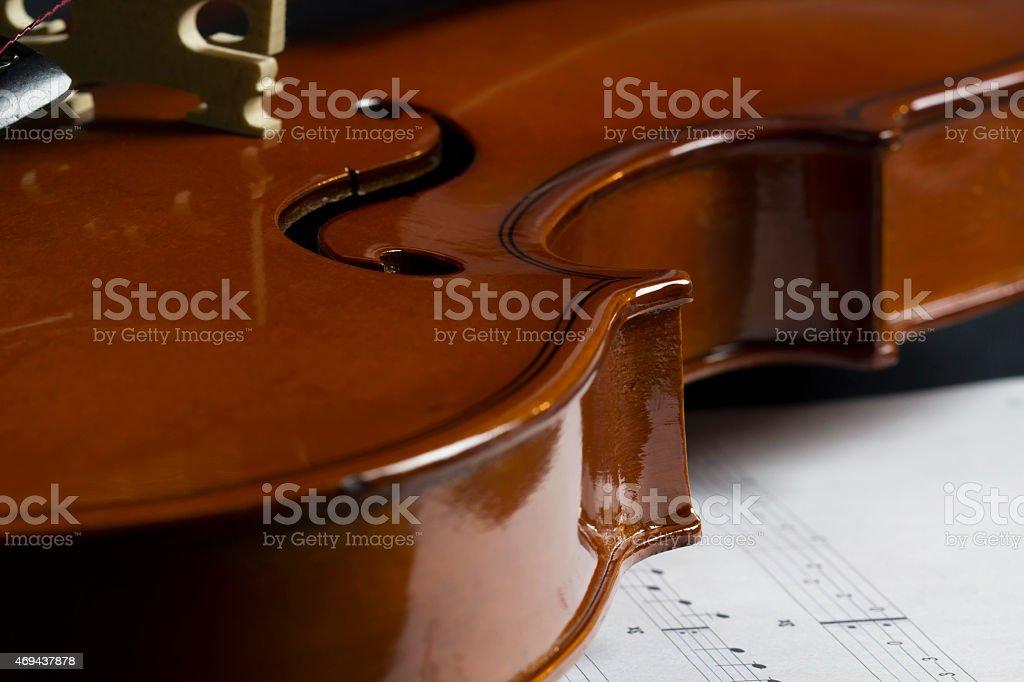 Corps, oüie et filet d'un violon stock photo