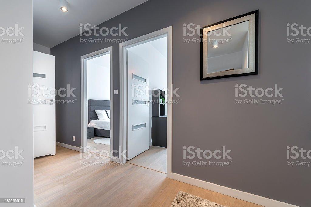 Photo libre de droit de Couloir Moderne Appartement banque d ...