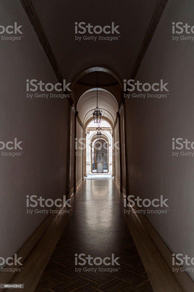 Koridor: eski builiding - Royalty-free Arka planlar Stok görsel