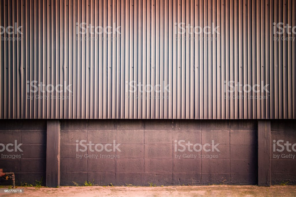 Corrugated metal sheet wall, Backgrounds - Foto stock royalty-free di Acciaio