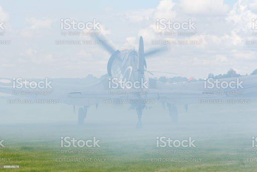 Corsair vallende rook foto