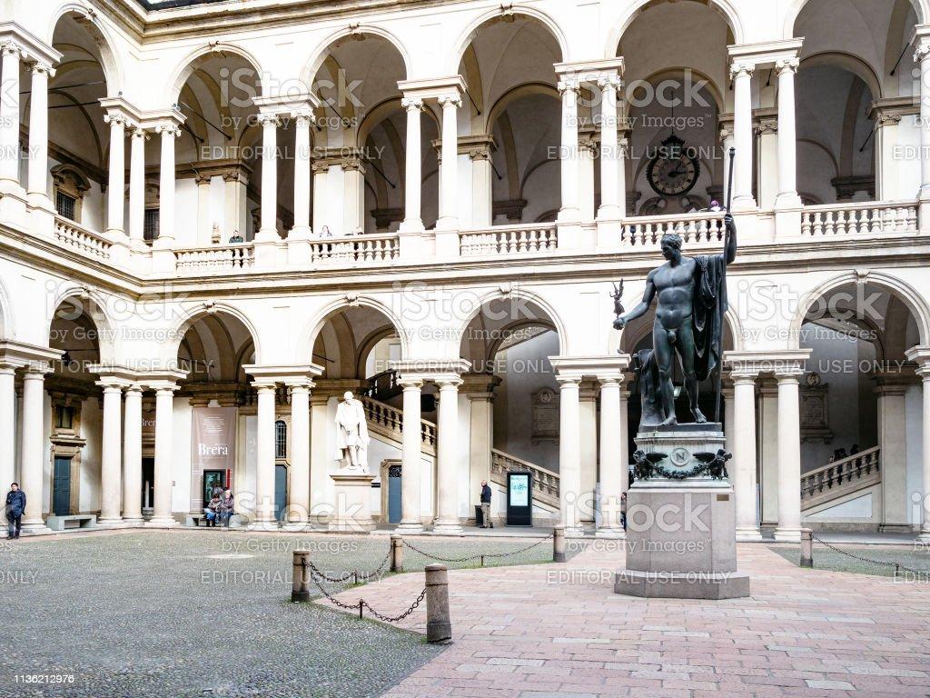 Cortile d'Onore courtyard of Palazzo Brera, Milan - foto stock