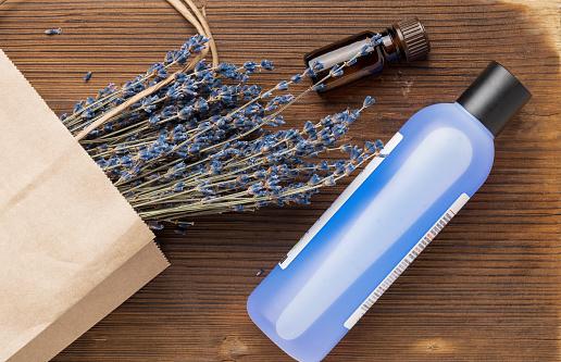 Cosmetic With Lavender Bottle With Liquid And Essential Oil - Fotografie stock e altre immagini di Aromaterapia