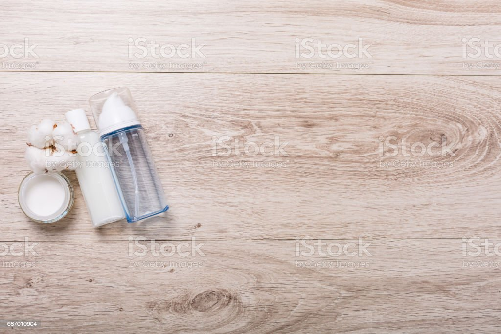 Cosmetics on a wooden background Lizenzfreies stock-foto