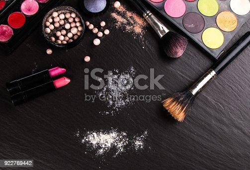 istock Cosmetics product 922769442