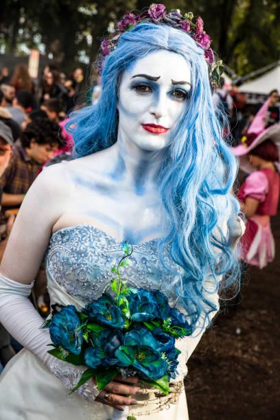 cosplayer getarnt als fantasy-charakter - disney kostüm make up stock-fotos und bilder