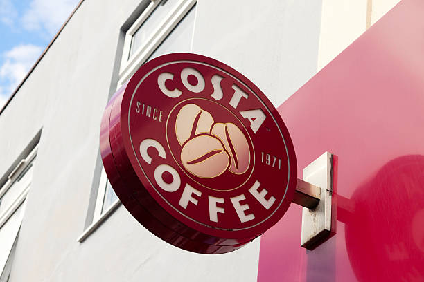 costa coffee shop anmelden - beckenham town stock-fotos und bilder