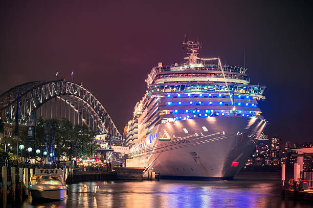 Costa Luminosa crucero - foto de stock