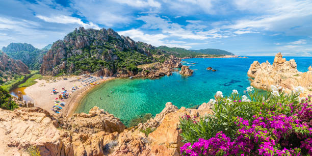 paesaggio della costa paradiso - sardegna foto e immagini stock