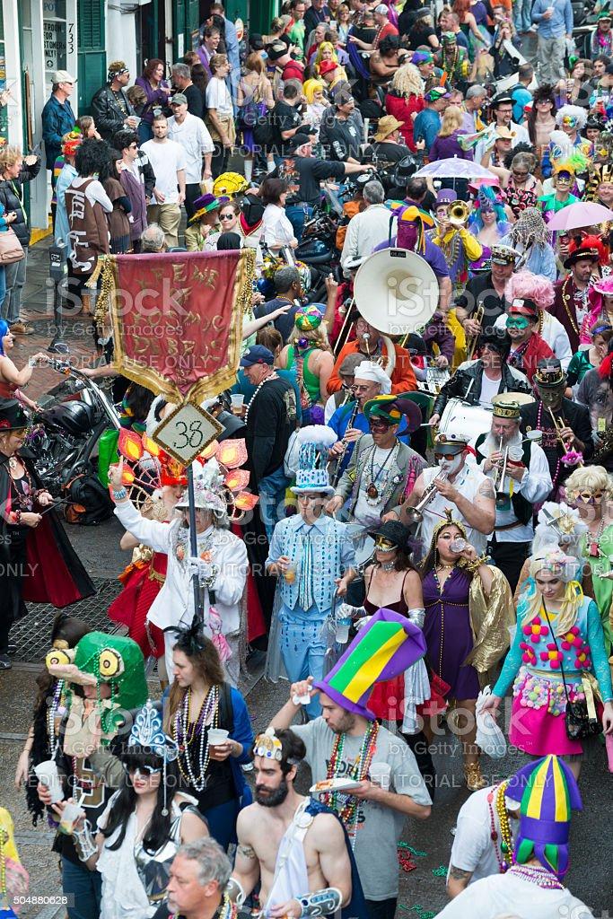 Kostümpartys Und Musik Feiern Mardi Gras In New Orleans Stock ...