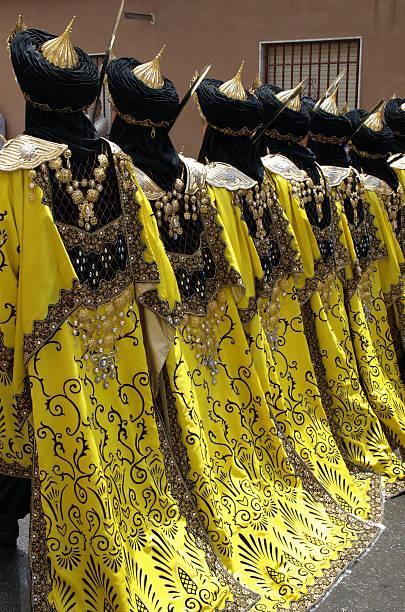 衣装にムーアズとキリスト教のパレード、スペイン - ムーア様式 ストックフォトと画像