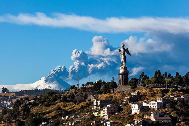 코토팍시 화산 폭발 - 에콰도르 뉴스 사진 이미지