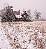 istock Cottage 123960763