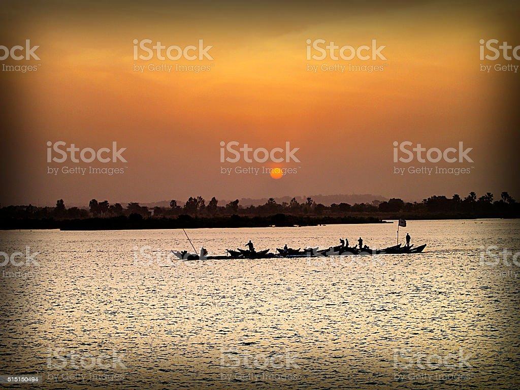 Coucher de soleil sur le Niger stock photo
