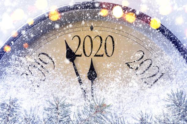 cuenta atrás para la medianoche - año nuevo fotografías e imágenes de stock