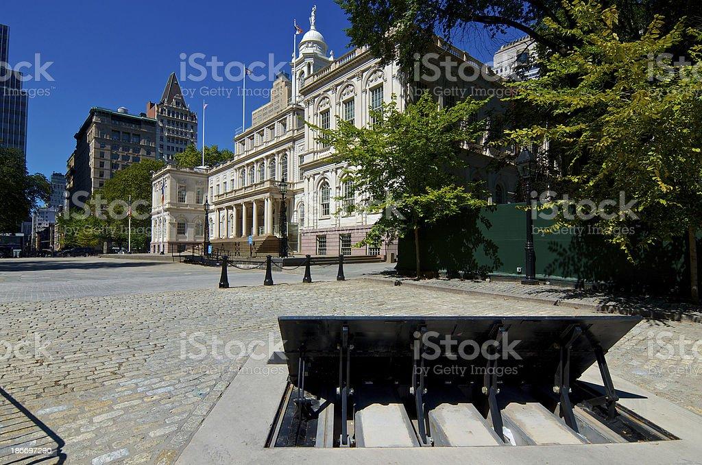 Counter Terror Barrier, New York City Hall Building, Lower Manhattan stock photo