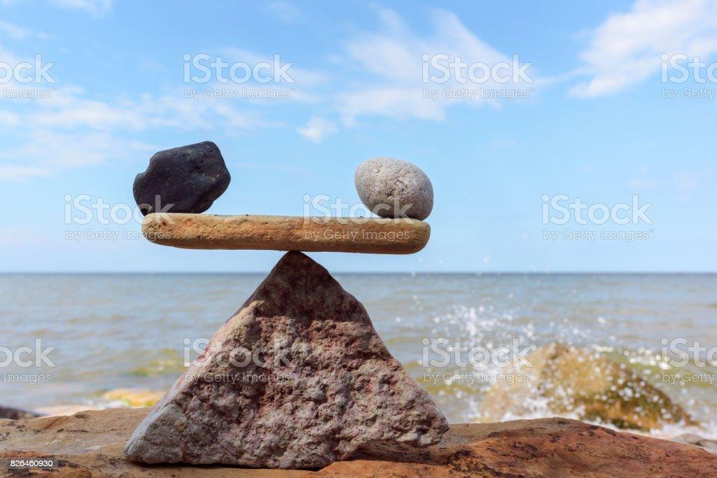 Gegengewicht von Steinen – Foto